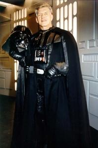 Dave Prowse en su rol como Darth Vader en la trilogia original de la Guerra de las Galaxias