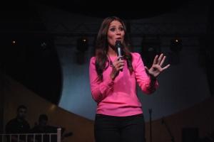 La cantante de música Sacra: Sheila Romero (Foto por SoundCinemas/Gabriel Rodríguez Acevedo)