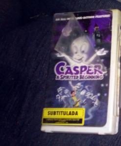 Versión VHS de Casper: A Spirited Beginning.   Este VHS es solo utilizado como ilustración.  Esta película salió en DVD en septiembre de 2006.  (Foto: SoundCinemas/Gabriel Rodríguez Acevedo)