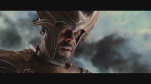 Idris Elba interpretando al centinela