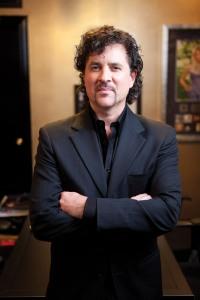 Scott Borchetta, director ejecutivo del Sello discográfico al cual Taylor Swift pertenece.  Big Machine
