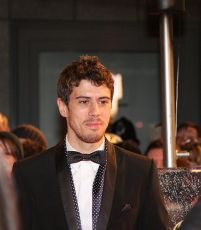 Toby Kebbell (Foto por Lee James)