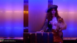 """Screenshot (Toma de pantalla) de """"Bitch Better Have My Money"""" de Rihanna."""