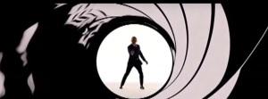 James Bond dispara a la pantalla