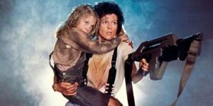 Sigourney Weaver interpretando a Ellen Ripley en Alien 2