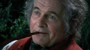 Ian Holm interpretando a Bilbo Bolsón en la trilogía épica que adaptó la novela El Señor de los Anillos de J. R. R. Tolkien; obra que ya conocía por haber dado voz anteriormente al sobrino de ese personaje, Frodo Bolsón en el serial radiofónico de la novela que la BBC emitió en 1981. Retomó el papel de Bilbo anciano en El hobbit: un viaje inesperado, introduciendo el trabajo de Martin Freeman, que protagoniza la película interpretando al mismo personaje de joven.